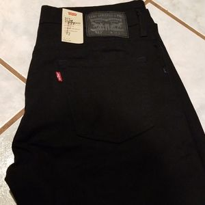 Solid black Levi's